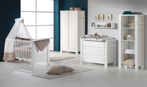 chambre bébé blanche et grise chambre bleu marine et blanc