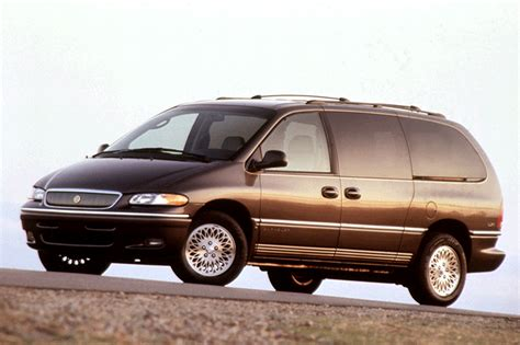 1996 Chrysler Town And Country Lxi by 1996 00 Chrysler Town Country Consumer Guide Auto