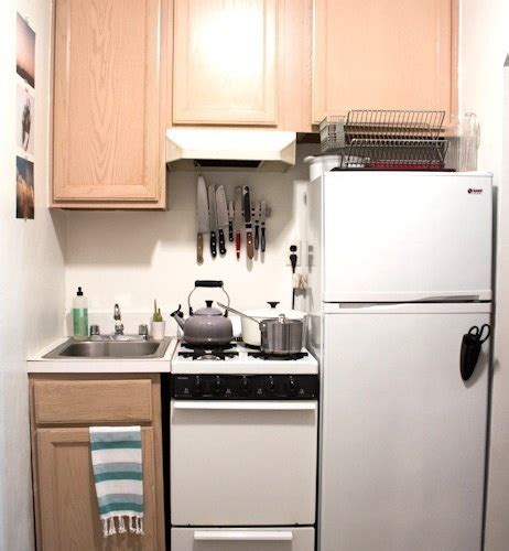 small apartment kitchen design   Kitchen and Decor