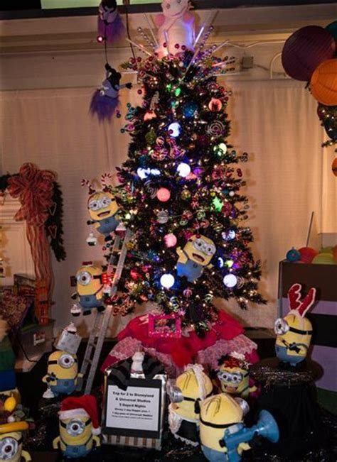 minion christmas tree christmas pinterest