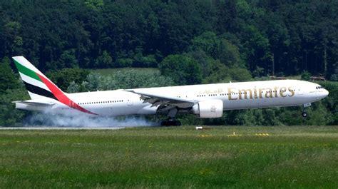 emirates boeing 777 300er emirates boeing 777 300er a photo on flickriver