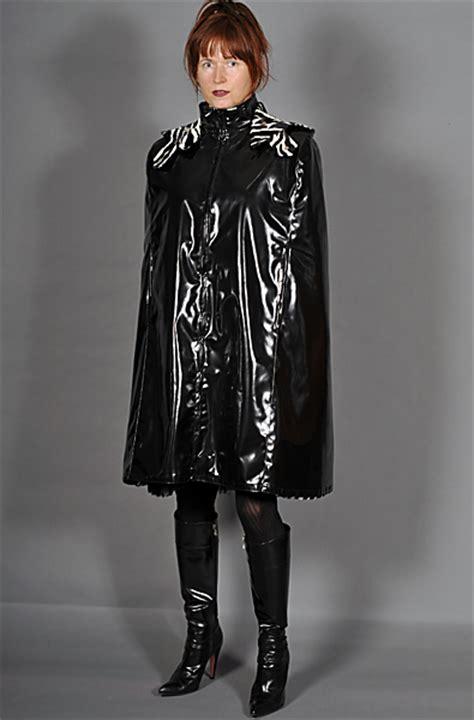 https www stylish diashow lackcapes cape fashion