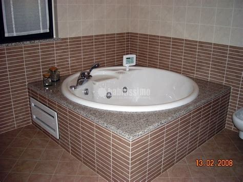 bagni con vasca idromassaggio foto ristrutturazione bagno con vasca idromassaggio di