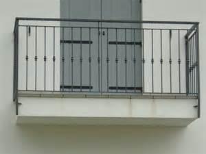 ringhiere per terrazzi prezzi ringhiere per esterni ferro boiserie in ceramica per bagno