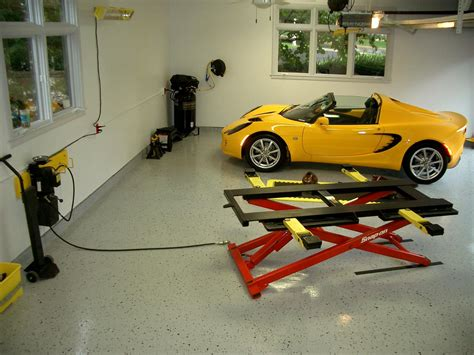 Car Garage Lift by Car Lifts For Garage Smalltowndjs