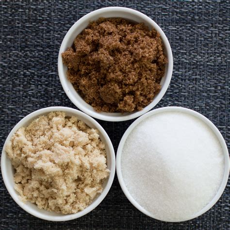 Difference Between Light Brown And Brown Sugar by Granulated Light Brown Brown Sugar What S The Difference