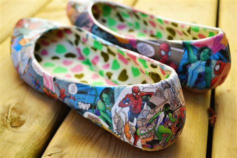 comic shoes diy diy comic book shoes do it yourself ideas and projects
