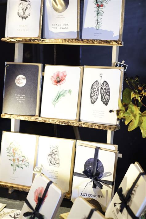 Ideas On How To Display Cards - 25 best ideas about card displays on stall