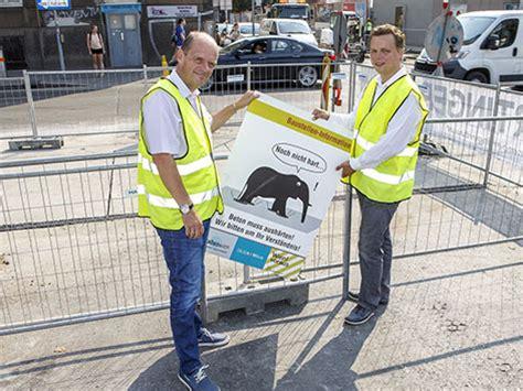 Baustellenschild Notwendig by Baustellenschild F 252 R Mehr Geduld Wien Orf At