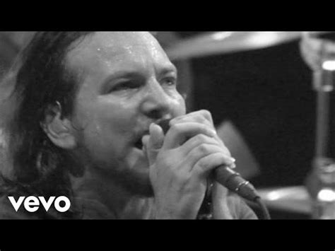 pearl jam just breathe testo amongst the waves pearl jam significato della canzone