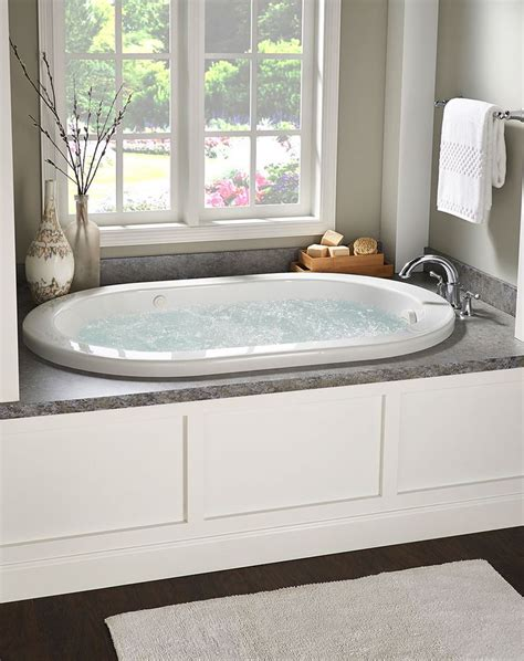 bathtub soaking depth 17 best ideas about whirlpool tub on pinterest whirlpool