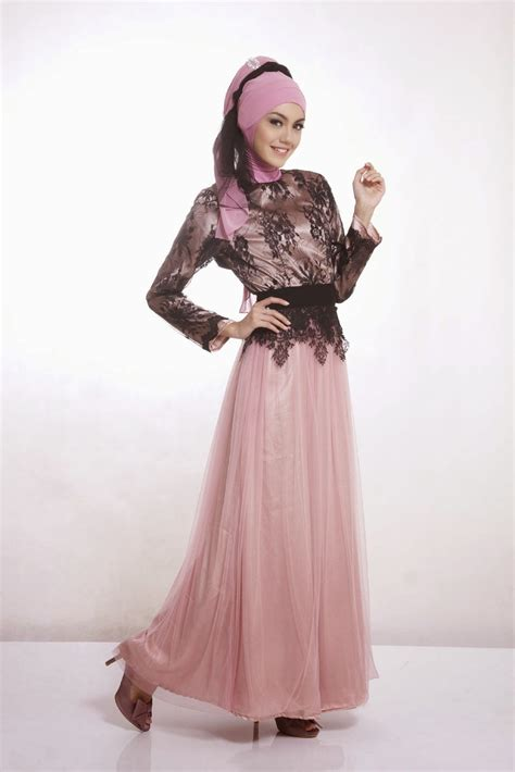 Setean Baju Muslim Kebaya Modern Songet Hijau intip cara memakai jilbab untuk kebaya pesta masa kini