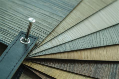 what is the difference between laminate and vinyl flooring