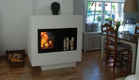 der on fireplace der ofen besticht durch seine spezielle moderne form