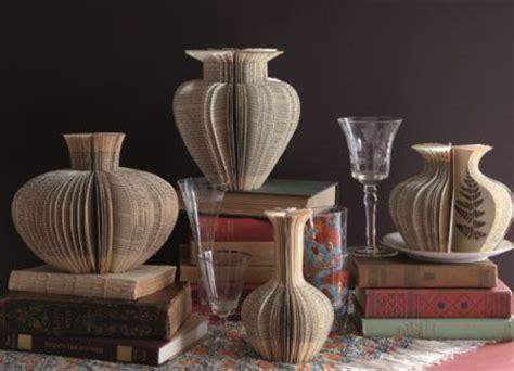vasi di carta idee per riciclare i libri vecchi la figurina