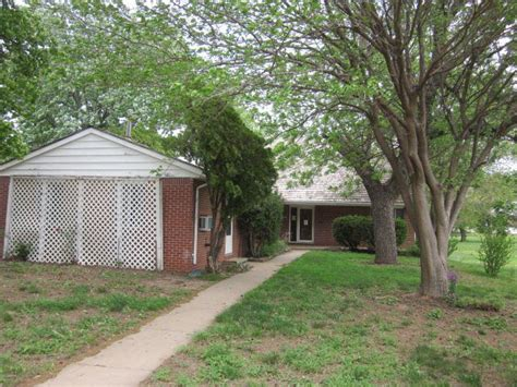 Houses For Rent In Derby Ks by 100 N Derby Ave Derby Ks 67037 Realtor 174