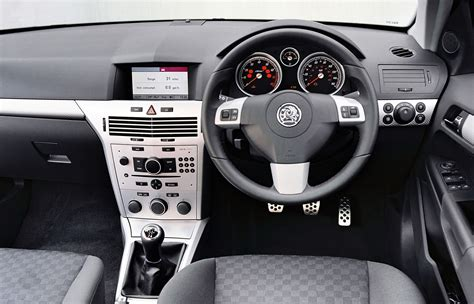 opel astra 2004 interior vauxhall astra estate review 2004 2010 parkers