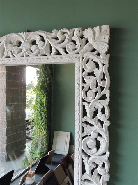 specchi da parete con cornice specchio da parete con cornice in legno decapata