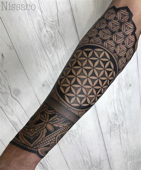 geometric tattoo quarter sleeve geometric half sleeve tattoo inkstylemag