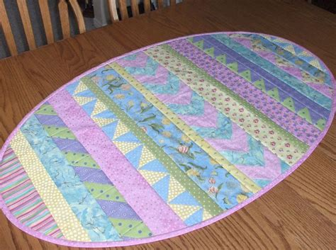 Quilted Easter Table Runner Pattern by 17 Best Ideas About Patchwork Table Runner On
