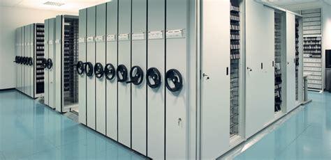 scaffali archivio archivio mobile e armadi compattabili per archiviazione