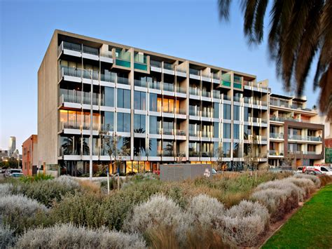 melbourne appartment beacon apartments biggin scott port melbourne