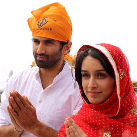 aashiqui r city indian bollywood actor aditya roy kapoor l and actress