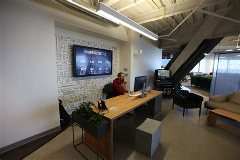 dropbox jobs seattle dropbox doubles size of seattle outpost with room for 150