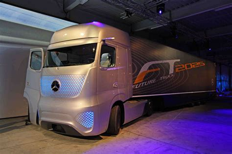future mercedes truck mercedes benz future truck 2025 makes its debut at the iaa