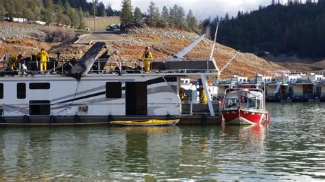 houseboat fire houseboat catches fire at bridge bay resort krcr
