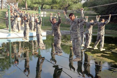 national guard soldiers define teamwork during warrior challenge