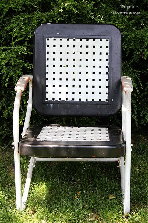 Motel Chairs For Sale by Painting A Vintage Metal Lawn Chair House Of Hawthornes