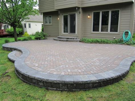 backyard paver patios best 25 brick paver patio ideas on brick