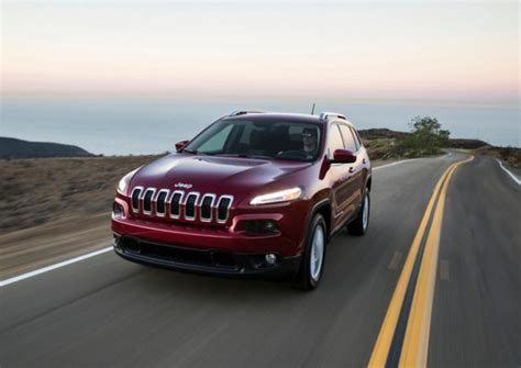 recent jeep cherokees recalled to fix airbag problem