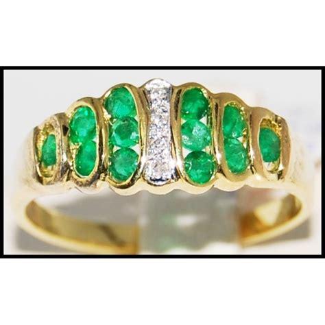 genuine 18k yellow gold gemstone emerald ring r0084