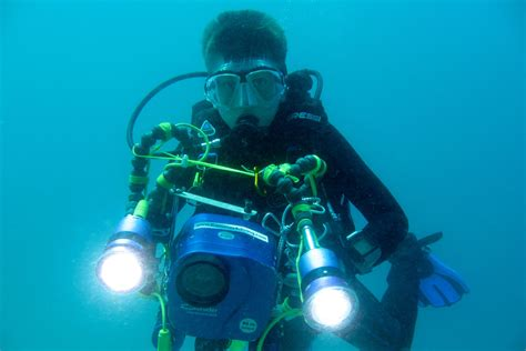 Cameras Underwater scuba diving diver equipment gear pictures photos underwater