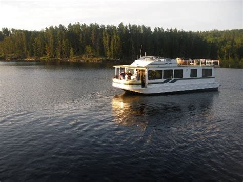 houseboat rentals northern minnesota houseboat vacationers undaunted by northern minnesota rain