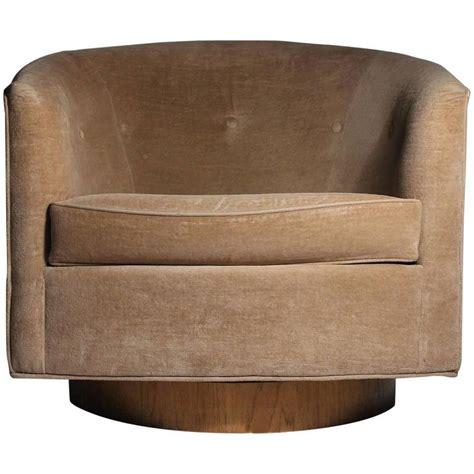 Milo Baughman Swivel Barrel Back Tub Club Lounge Chair At Milo Baughman Swivel Chair