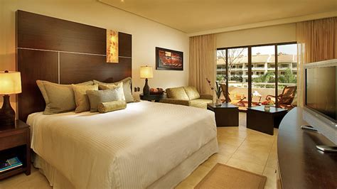Hotel Room Photography Tips by 10 Tips How To Make Your Apartment Look Bigger