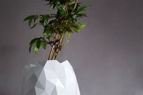 Origami Plants - growth resizable origami plant pot by studio ayaskan homeli