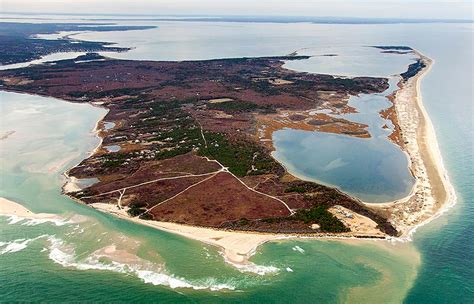 Chappaquiddick Island Association Chappy Residents Target Comcast Ceo And President Obama In Ads The Martha S Vineyard Times