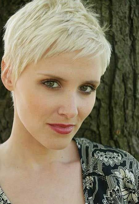 short pixie haircuts with asymmetrical bangs front and side view 35 vogue hairstyles for short hair popular haircuts