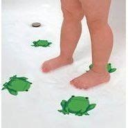 frog bathroom accessories my frog rug for my frog bathroom i have coordinating green towels and yellow towels