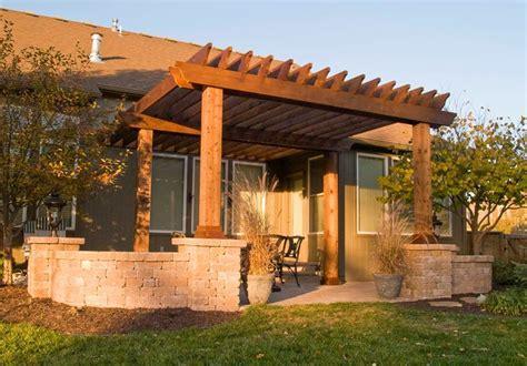 legno per tettoie tettoie in legno pergole e tettoie da giardino