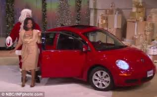 Oprah Winfrey Car Giveaway - oprah winfrey gives new vw beetle car to all 275 of her audience daily mail online
