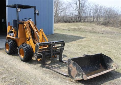 swing loader may 28th online equipment auction in baldwin wisconsin