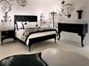 Decorating Ideas In Black And White Decoration Black And White Decorating Ideas For Bedroom