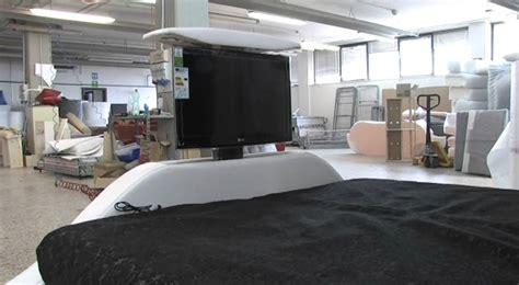armadio con letto matrimoniale incorporato fabulous letto con tv pollici led with armadio con