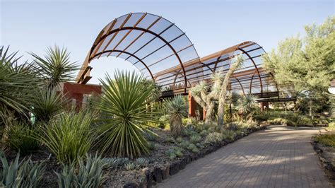 Arizona Botanical Gardens by Arizona S Desert Botanical Garden Is Showing A New Side Of