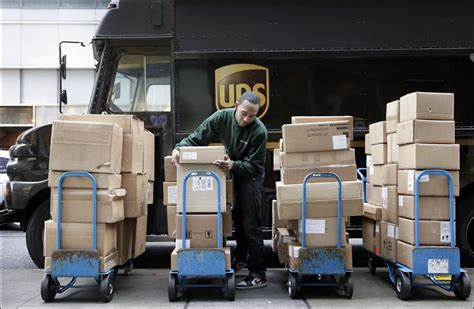 Amazon Email Gift Card Not Delivered - amazon refunds shipping as ups misses some christmas deliveries toledo blade